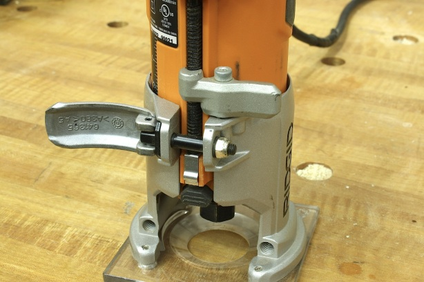 what is a router tool used for