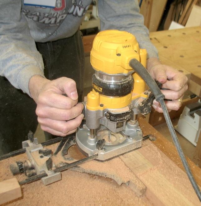 dewalt wood router